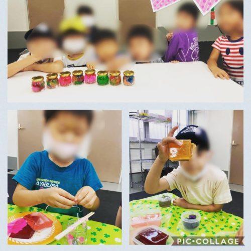 キャンドルを作る子どもたち
